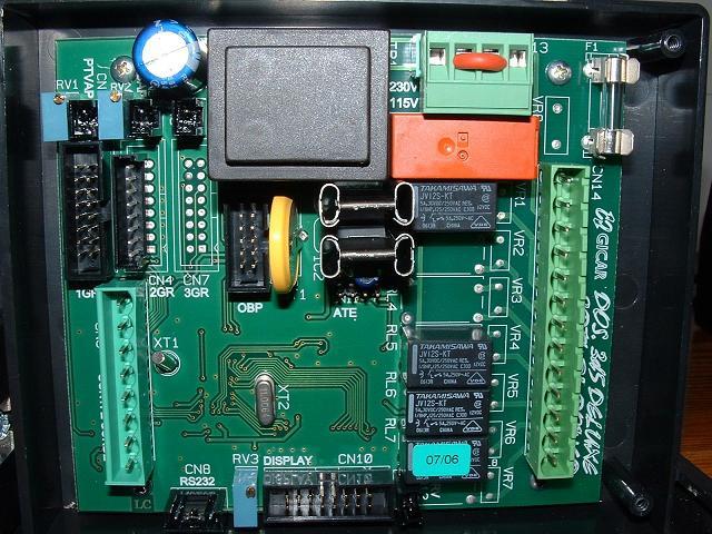 Voltage Controller Circuit
