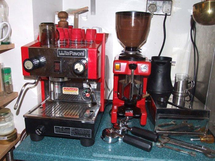 unusual la pavoni pub espresso machines. Black Bedroom Furniture Sets. Home Design Ideas