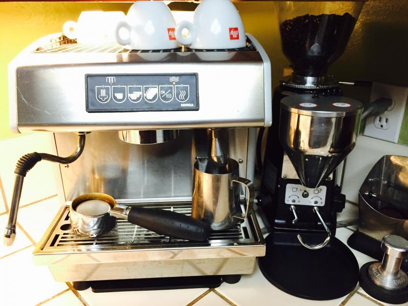 sold 220v reneka techno v2 espresso machine mazzer. Black Bedroom Furniture Sets. Home Design Ideas