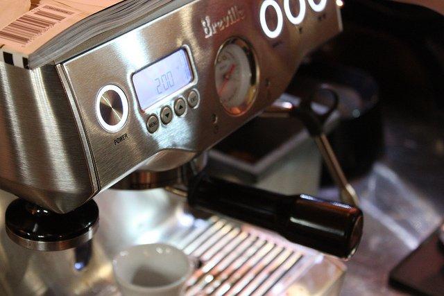 Quick Look At Breville Dual Boiler Espresso Machine