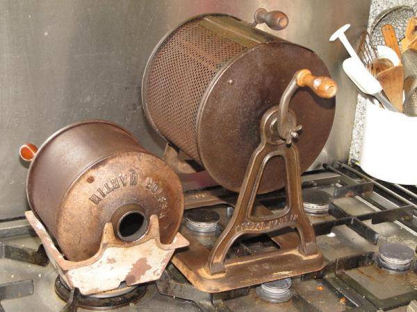 Antique gas roaster - Home Roasting